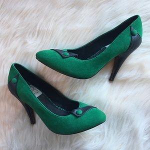 ModCloth Bettie Page retro inspired heels pumps